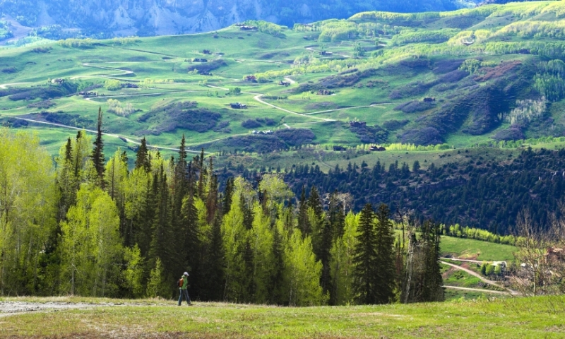Hiking from Telluride to Mountain Village